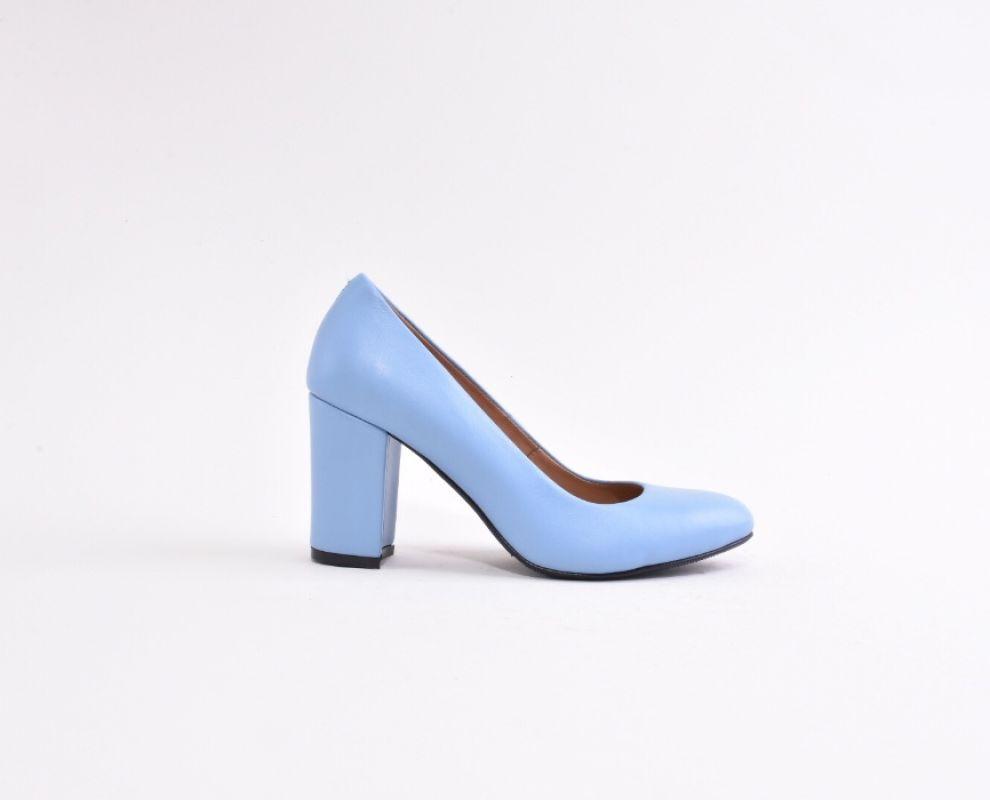 Шкіряні туфлі блакитного кольору на каблуку - купити в Україні ... 8d3f7d8cda11a