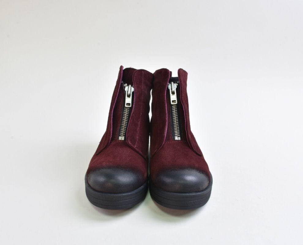 Замшеві марсалові зимові черевики на низькому ходу - купити в ... 29b5c96e3be4b